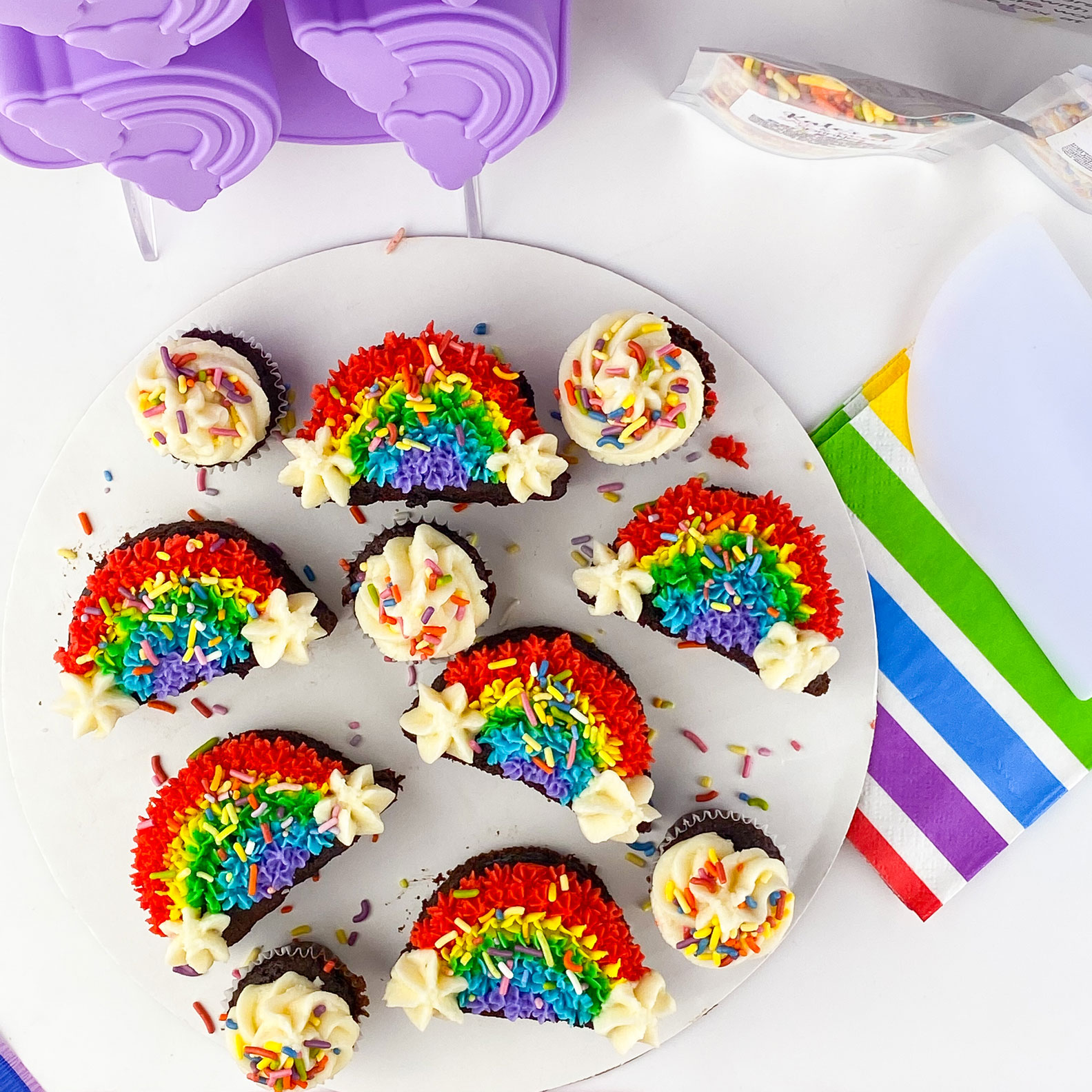 Kate's-Safe-&-Sweet---Rainbow-Cakes-with-Pan-and-Napkins