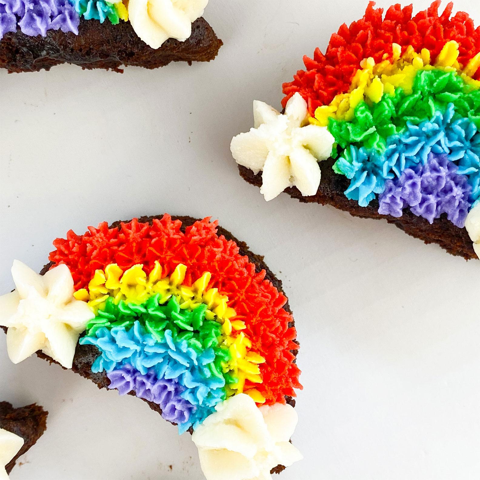 Kate's-Safe-&-Sweet---Rainbow-Mini-Cakes